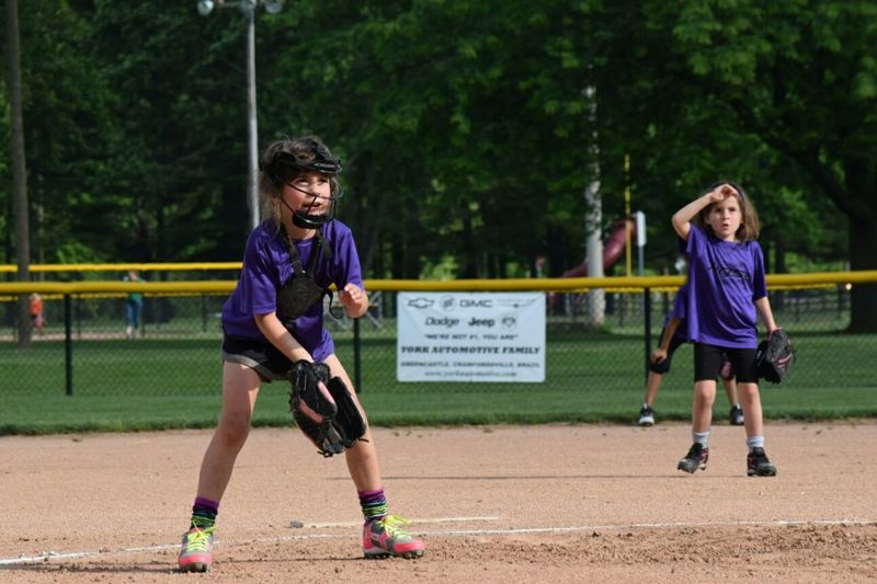 Softball Game Softball Girls Softball Adventure Club Ready To Catch Is She Going To Catch It Down And Ready Purple Seven Years Old 8u Softball Nikon Nikonphotography Nikon D3300 Eyeemphotography Love Her! No Filter No Filters Or Effects No Filter No Edit No Fear No Fear But Attention Pitchers Helper Lefties Left Hander Lefty