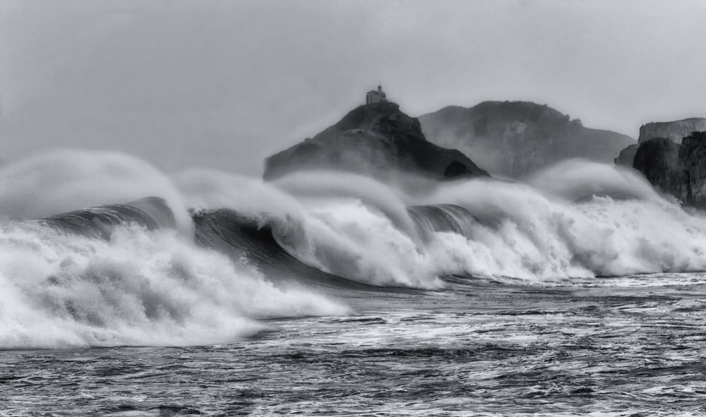 Bakio Baquio Basque Country Beauty In Nature Blach&white Black And White Blackandwhite Cloud - Sky Day Euskadi Mountain Nature No People Outdoors Power In Nature Sea Sky SPAIN Splashing Water Waterfront Wave