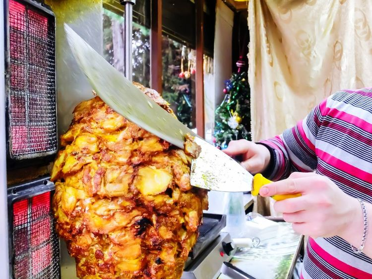 Preparation of shawarma Tasty😋 Delicious Food And Drinks Cutting Meat Cutting Cafe Shaurma ♥♥ Meat! Meat! Meat! Food Food Real People One Person Human Hand Women Freshness Day Adult People Ready-to-eat