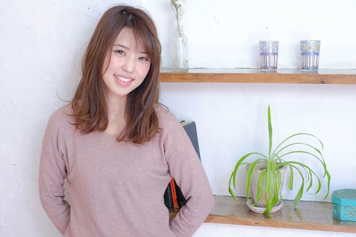 ミディアム ヘアスタイル 美容院 リズミカル Japan Hair Style Portrait One Woman Only One Person Beauty One Young Woman Only Hair Salon ポートレート