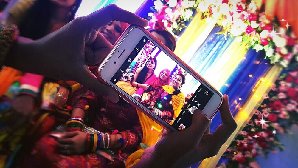 Mobile Conversations Colourful Life Celebration🎁🎊 Taking Pictures Of People Taking Pictures Lve The Way It Is.......❤❤❤ Mobile Conversations The Photojournalist - 2017 EyeEm Awards The Portraitist - 2017 EyeEm Awards