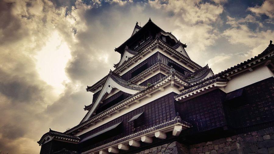 Low angle view of kumamoto castle