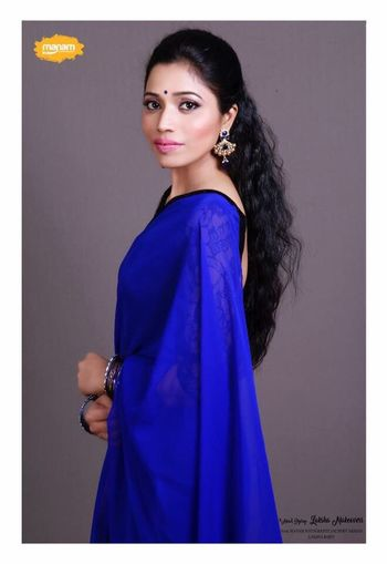 Portrait Looking At Camera One Woman Only Beautiful Woman Studio Shot Black Hair Beauty Side View Standing Smiling Fashion Model Glamour Beautiful People Tanya Singh Tanyasingh Posing Models Pink Lipstick  Fashion Actress Long Hair Elégance Model Tanya Singh Modern