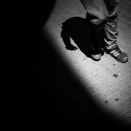 Blancoynegro Shootermag Blackandwhite Monochrome Youmobile Streetphoto_bw Darkness And Light