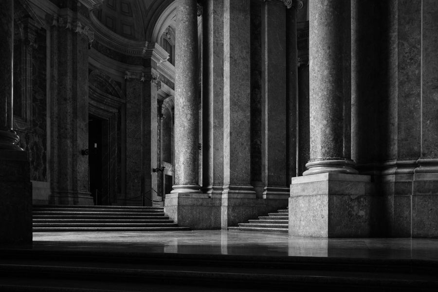 Reggia di Caserta - 2018 23mmf2 FUJIFILM X-T2 Architectural Column Architecture Belief Building Built Structure Colonnade Courthouse Day Fujifilm Fujifilm_xseries Fujixseries History In A Row Indoors  No People Palace Place Of Worship Reggia Di Caserta Religion Spirituality Staircase The Past