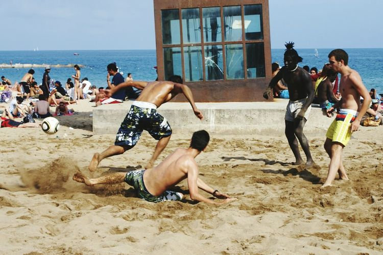 Life Is A Beach The Great Outdoors - 2015 EyeEm Awards The Action Photographer - 2015 EyeEm Awards The Moment - 2015 EyeEm Awards Barcelona Peoplephotography People Photography The Amazing Human Body Beach Photography Soccer