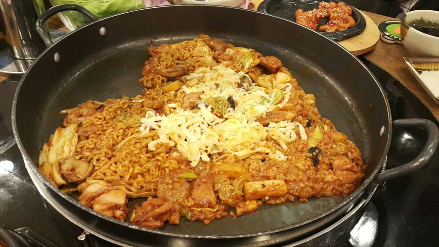 Food And Drink Food Healthy Eating Indoors  No People Freshness Close-up Ready-to-eat Korean Food Valentine's Day  Dak Galbi