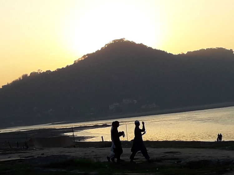 Sunset Two People Mountain Nature Adventure Outdoors Landscape Beauty In Nature Beach Check This Out Taking Photos Trees And Nature From My Point Of View Beauty In Nature Hanging Out Togetherness Happiness Nature Real People Bonding The Way Forward Leisure Activity People Close-up Cityscape