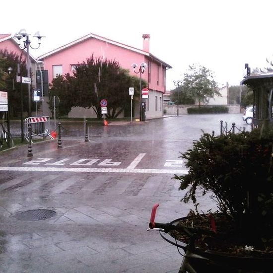 Unaaaaa splendida giornataaaaaa Piove Sardegna Bello GiugliacciCrepa