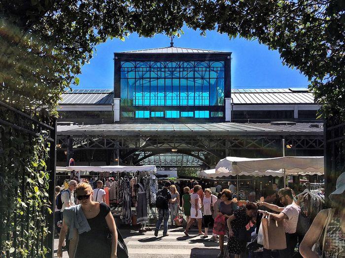 🚶🏻. 📌 #LaHalle 📍 St-Maur des Fossés / La Varenne St-Hilaire 📅 07.08.2016 📱 #iPhone6S #ProCamera #Skrwt #SnapSeed • Blue • IPhone Procamera Skrwt Snapseed •