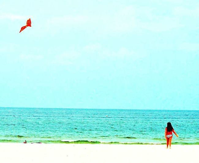 Beachlovers Beach Beachphotography Takemetothesea Saltwatersoothesthesoul Theseabringsmebacktome Kite Flying Kitesonthebeach