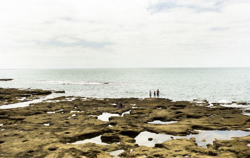 Playa Sea And Sky Orilla Rocas Y Mar Cádiz, Spain Caleta