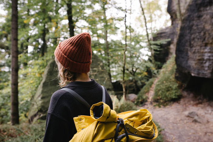Adult Adults Only Adventure Backpack Beauty In Nature Day Exploration Forest Hiking Leisure Activity Nature One Person One Woman Only One Young Woman Only Only Women Outdoors People Real People Rear View Sächsische Schweiz Tree Wandern Warm Clothing Women Young Adult