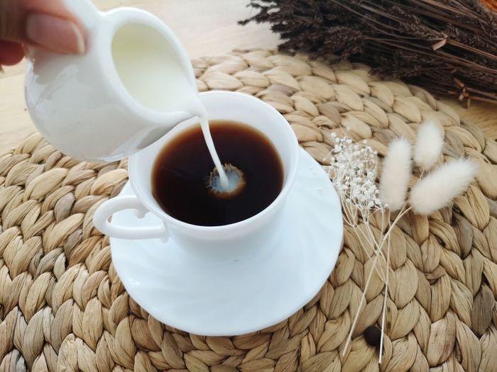 Coffee Vintage Lifestyles Moving Coffee Time Coffee Break Living Room Breakfast Americano Hot Drink Human Hand Drink Sand Milk Coffee - Drink Coffee Cup Close-up Food And Drink Milk Jug Milk Bottle Latte EyeEmNewHere