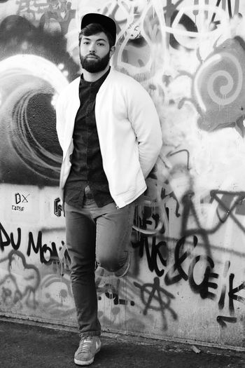 Le Mans Artist Zila Benjamin Belhadj In Front Of My Camera Street Photography In Black And White Shooting_Photo Monochrome_Photography