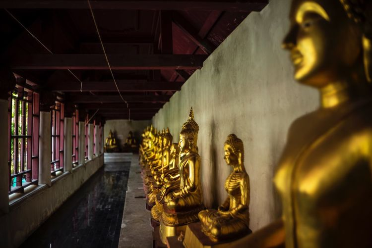 Buddha pop Leica M (Type 240) Thailand Temple Wat Buddha Religion Belief Statue Sculpture Art And Craft Human Representation Spirituality Building No People Architecture Gold Colored