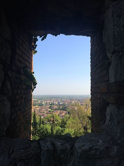 Castle's view Sky Architecture Plant Nature Window Built Structure Building