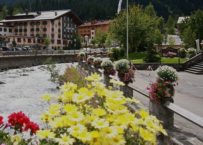 Architecture Arlberg Austria Beauty In Nature Blooming Building Exterior Early Summer Enjoying Life Enjoying The View Flowerporn Flowers Fragility Growth Holiday Idyllic Lech Multi Colored Nature Plant Potted Plant Street Taking Photos Vacation Village Walking Around