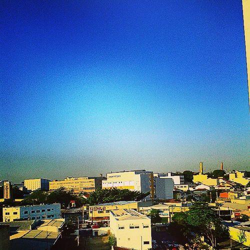 céu azul, 6:39 a.m