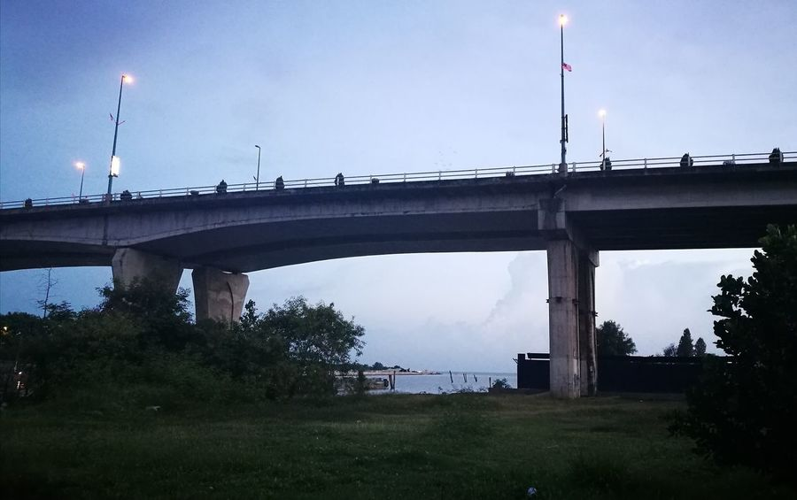 HuaweiP9 Huaweiphotography Bridge Pont Jambatan Brücke Evening Abend Petang Soir Malacca Asie Southeastasia Travel Voyages Reise Bridge - Man Made Structure Connection Architecture Social Issues Built Structure Business Finance And Industry No People Outdoors Day