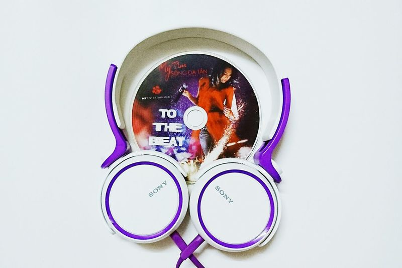 TakeoverMusic Video Compact Dics Headphones Relaxing Vcd To The Beat BEATS Sony Purple Live Concert My Tam Vietnam