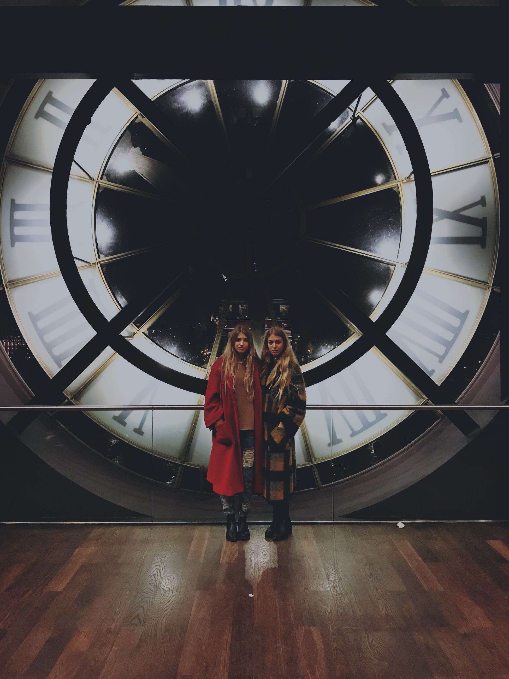 indoors, full length, real people, togetherness, clock, friendship, lifestyles, day, standing, time, young women, young adult, clock face