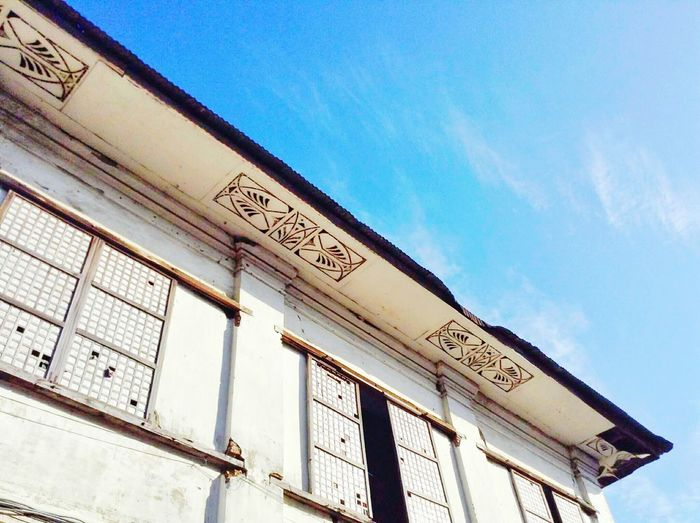 Vintage Vintagehouse Heritage Heritagehouse Oldhouse Vigan Ilocossur Philippines Ephilippines Sky Bluesky Houses And Windows House