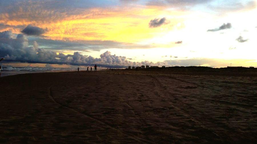 Por do sol - praia de Atalaia - Aracaju - SE Hello World Relaxing Enjoying Life Beach Beachphotography Life Is A Beach