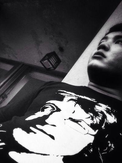 Queue at Carwash , lets take a Black & White Selfie
