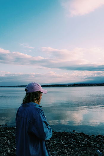Lake An Eye For Travel Rear View Sea Water One Person People Adult Beach Sky Adults Only Only Women Horizon Over Water Outdoors Standing One Woman Only Women Nature Beauty In Nature Day
