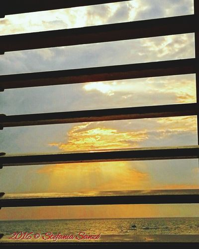 Good Morning Behind The.window Sunrise_sunsets_aroundworld Sunrise And Clouds Colour Of Life Color Of Life Color Of Sun Colors Of Nature Colorful Sky