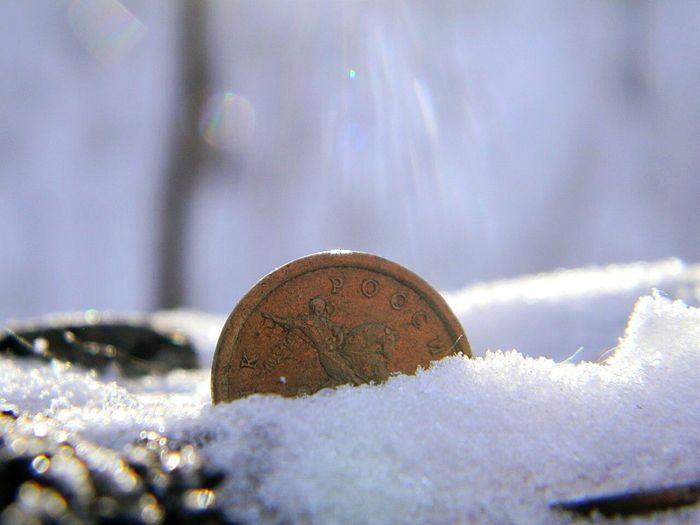 Святая монета Snow Winter Money Monet монета Light свет Holy святая снег зима