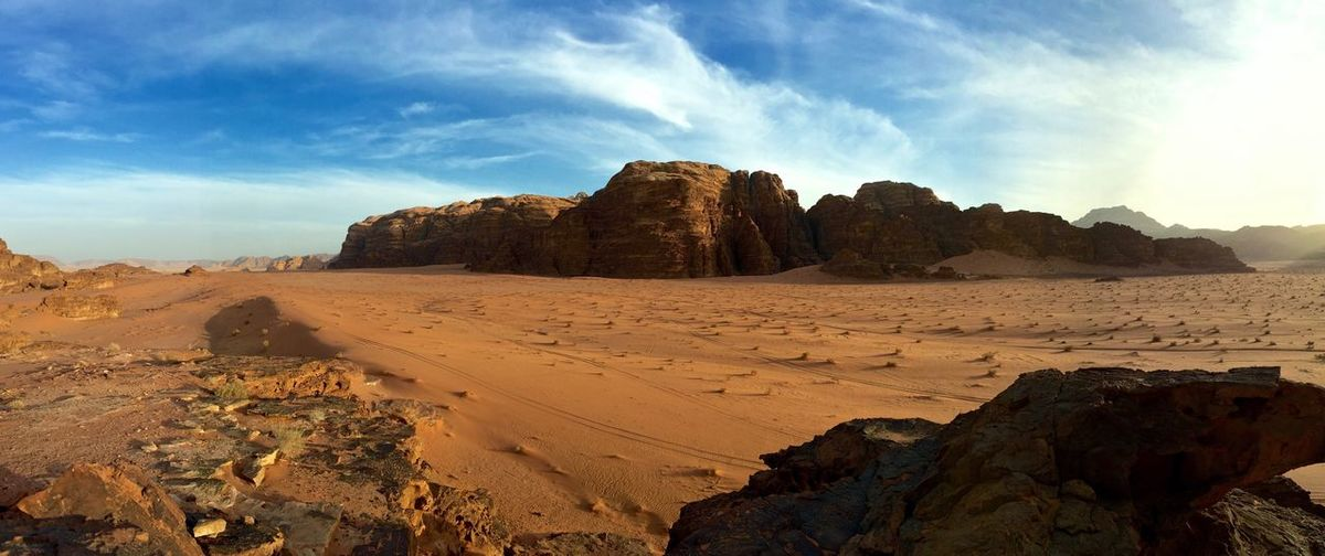 Throwback to just over a year ago when I was watching the sunset in the Wadi Rum desert, Jordan. The KIOMI Collection Desert Wadi Rum Sunset Panorama Sand Mountains Clouds And Sky Unspoiled Peace And Quiet Travel Middle East The Great Outdoors With Adobe The Great Outdoors - 2016 EyeEm Awards Lost In The Landscape An Eye For Travel