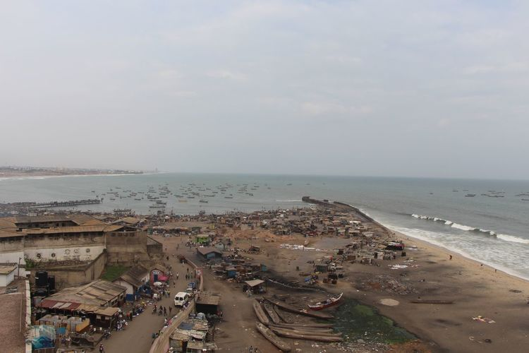 Accra Africa Beach Boats Dirty Fishermanvillage Fishermen Fishermen's Life Ghana Ghana360 Horizon Over Water Poor  Sea Slum Water Wave