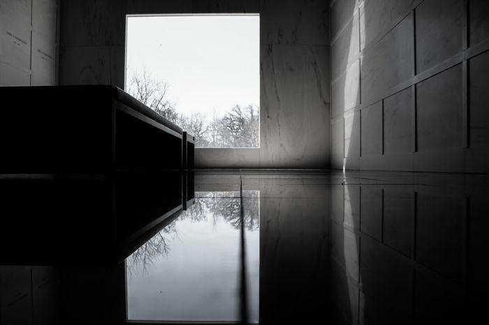 Lakewood Noir Et Blanc Architecture Blackandwhite Indoors  Mausoleum No People Noir Reflection