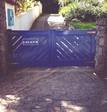 Garagem Blue House