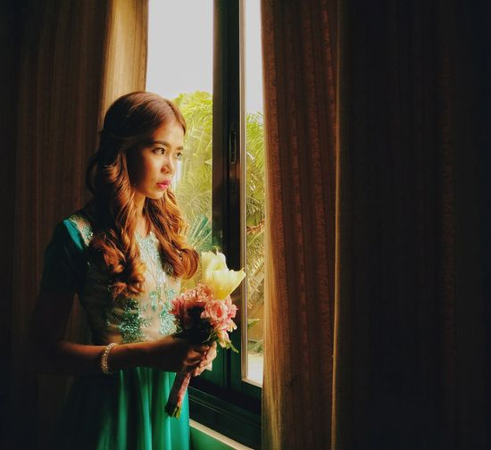 The Portraitist - 2017 EyeEm Awards Eyeem Philippines Mobile Photography One Woman Only Only Women Women Lifestyles Window Adult One Person Beautiful People Young Adult Elégance Beautiful Woman One Young Woman Only Adults Only Females Looking Through Window Young Women Beauty People Indoors