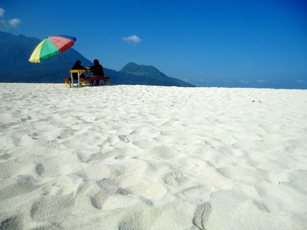 Beauty In Nature Mountain Day Tranquil Scene Outdoors Nature Sea Vacations Sky Water Beauty Idyllic Travel Destinations Tranquility Beach Travel Patterns & Textures Sand Camiguin White Island Philippines Blue Relaxation White Sand Break In Pattern