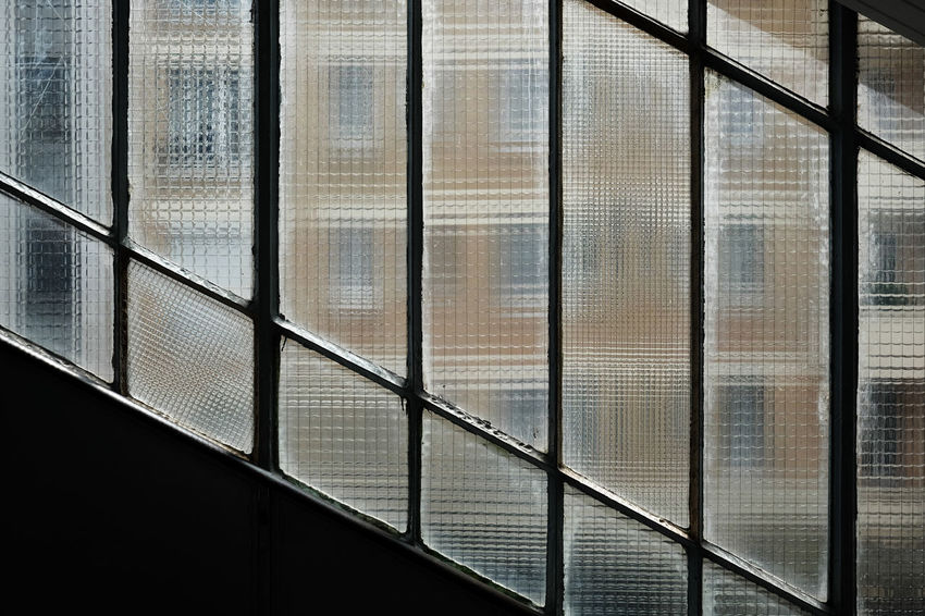 Un moment. Abstract Architecture Backgrounds Building Built Structure Close-up Day Design Detail Modern Métro Parisien No People Paris Paris Metro Pattern Repetition