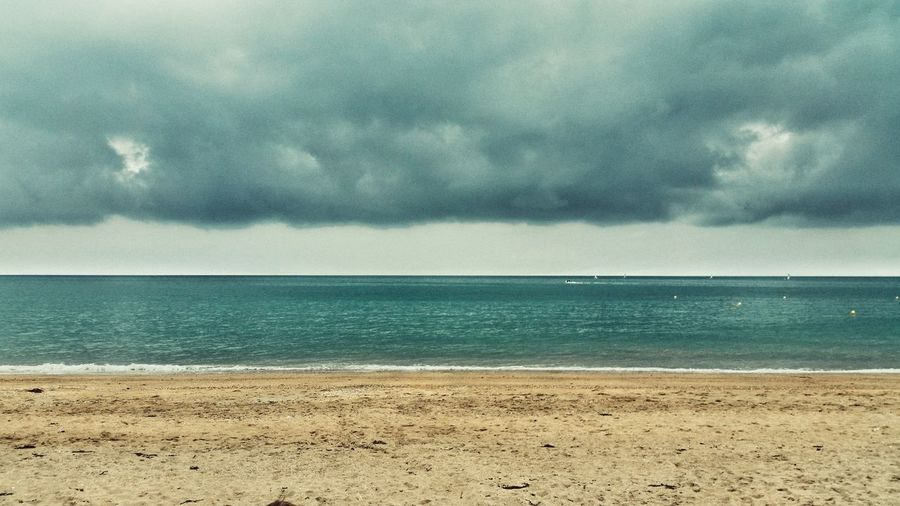 Sea Nature Sky Tranquility Beauty In Nature Water No People Horizon Over Water Cloudgazing
