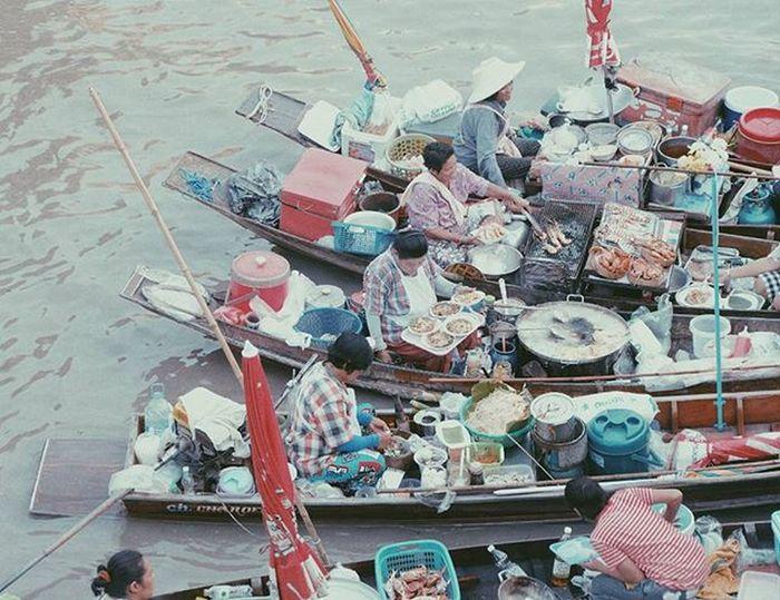 . . ∆ ปาก ท้อง . . . Fujifilm_xseries Fujifilm Fujifilm_id Thailand_allshots Thailand Thai Lifestyle Merchandise Bargain Discoverearth Amzthld Ig_thailandia Vscofilm Vscothai Adayinthailand ADayToRemember Retro Vscogood