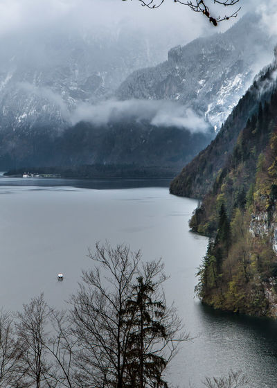 Auch nicht viel besser das Bild..... Bavaria Bavarian Alps Beauty In Nature Cold Temperature Day Lake Mountain Nature No People Outdoors Scenery Scenics Ship Sky Snow Tranquil Scene Tranquility Tree Water Winter