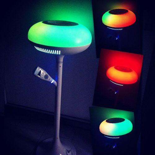 这台OSIM uVenus抗菌滤净度高达99.97%,还能消除空气中的异味。特殊设计意境灯源和音乐程序,使用后感觉身心平衡、情绪舒暖,活力振奋人心。空气更清新,早上起身~我的鼻子也不在敏感了。Anti -bacteria Balance Relax Energise freshday night day nice light sweetdream dust-free environment active designed moonlight music clock ion fan function loveit followme