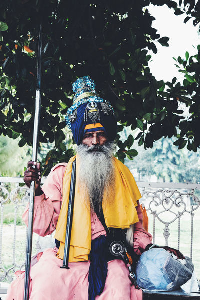 Nihang (Nihung) Singh InMakin! Sikh Sikhism Sikhlife Nihangsingh Nihang Turban Spear Sword Kirpan Portrait Khanda One Person Outdoors People Photography Looking At Camera Golden Temple, Amritsar Eye4photography  From Where I Stand EyeEm Gallery EyeEm Best Shots Perspective My Unique Style Colour Of Life One Man Only Uniqueness Miles Away Lieblingsteil Millennial Pink EyeEm Diversity Stories From The City