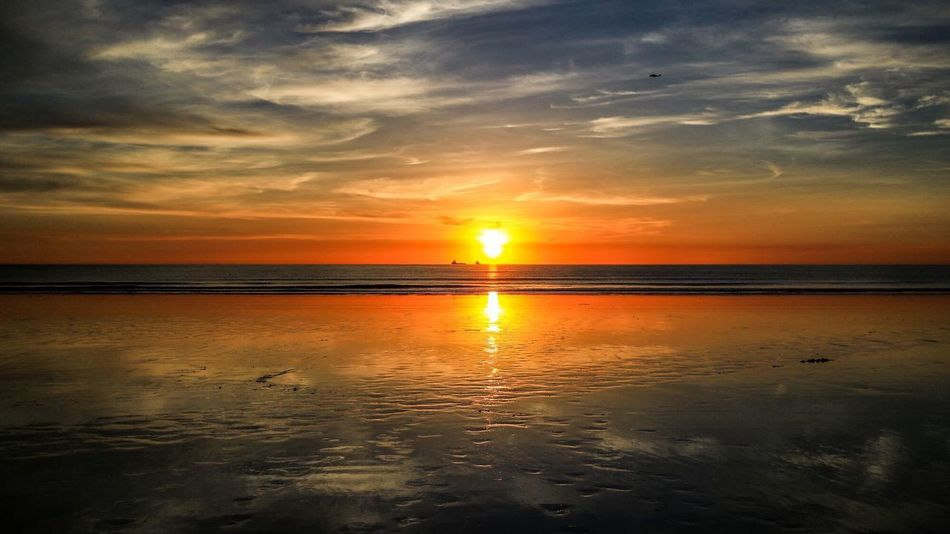 Sunset Reflection Beauty In Nature Scenics Sky Tranquility EyeEmNewHere Cloud - Sky Water Sun Orange Color Sea Dramatic Sky No People Horizon Over Water Outdoors Beach Western Australia Landscape Beauty In Nature Waterfront Cable Beach Sunset Horizon Reflection Been There. Lost In The Landscape