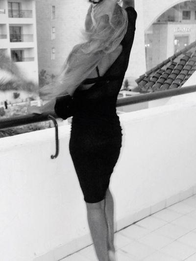 Windy goodbye Windy Goodbyes Tej Marhaba Modelgirl Blonde Bombshell EyeEm New Here Fashion Photography Blackandwhite High Living Windy Hair Balcony Shot Hotel Life Slim Long Legs Bare Feet Long Goodbye Place Of Heart