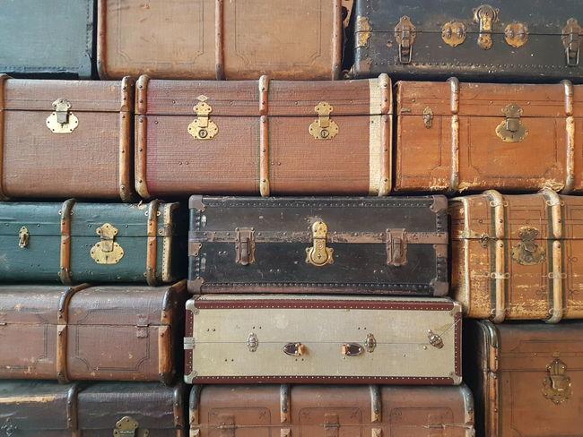 Traveling Holiday Suitcase Luggage Luggage Collection Luggage, Travel  Luggages Travel Photography Bon Voyage Reise Holiday Season Holidays Vintage Fashion Vintage Vintage Luggage Cover Background Lifestyle