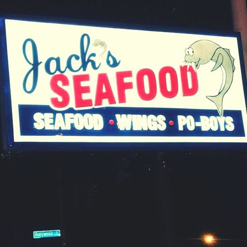 This Place Got Tha Best Buffalo Wings (Mii Opinion)