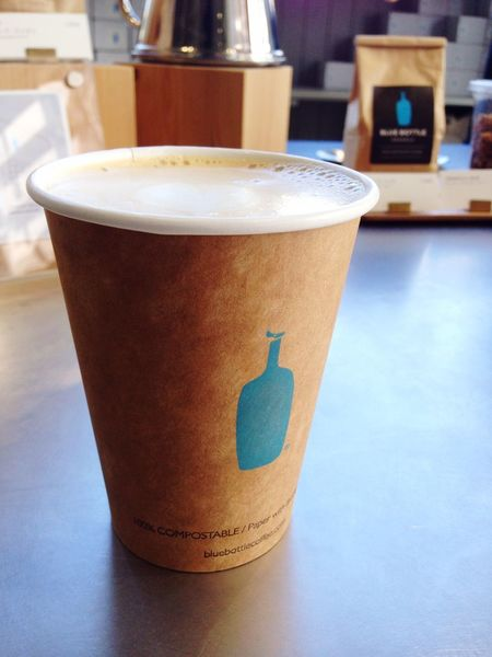 I went to Blue Bottle Coffee at Kiyosumi in Japan :) I drink au lait. BlueBottle Coffee Coffee Time