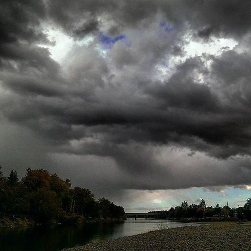 Dark Stormclouds Hoping for rain! SkyPics Cloudscapes Norcal Redbluff Sacramentoriver HappyBirthday